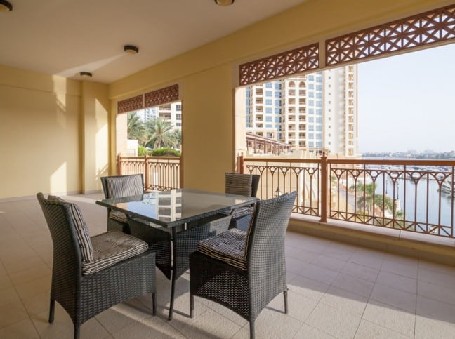 Marina Residences in Palm Jumeirah. Premium apartments for Sale in Dubai