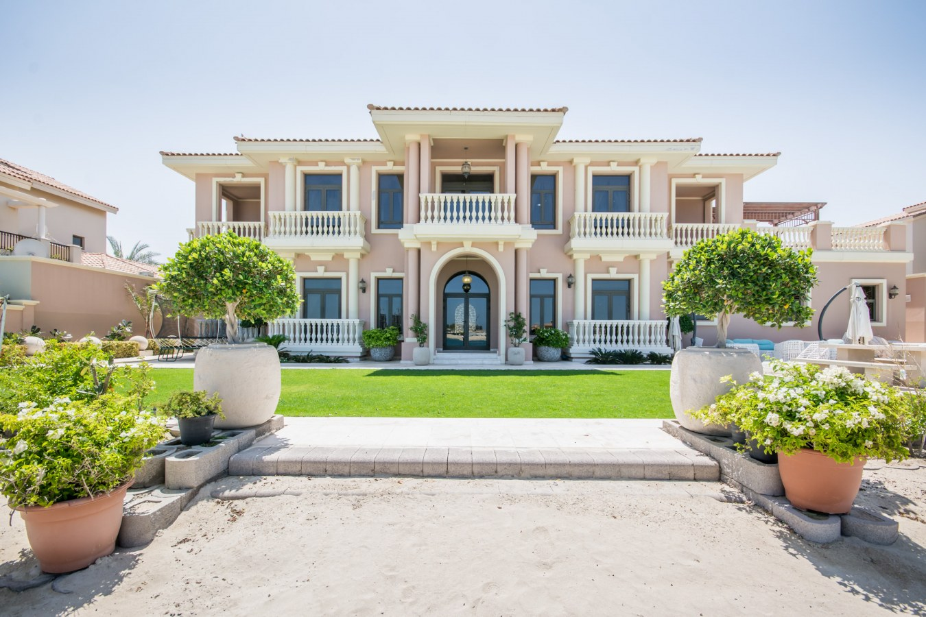 Palm Frond Villas by Nakheel in Palm Jumeirah. Premium villas for Sale in Dubai 3 2